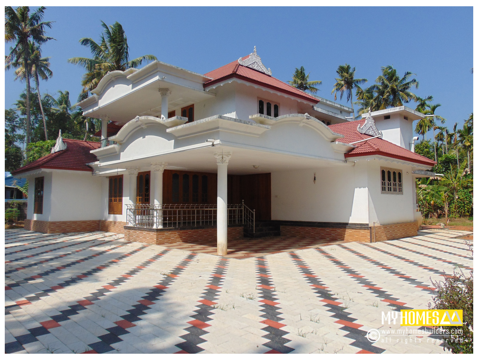 Traditional style home design kerala for Kerala homes photo gallery